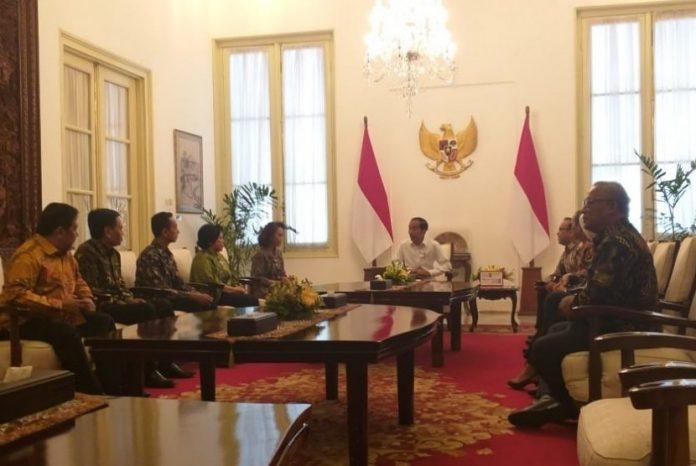 Jokowi Undang Pansel Calon Pimpinan KPK ke Istana.