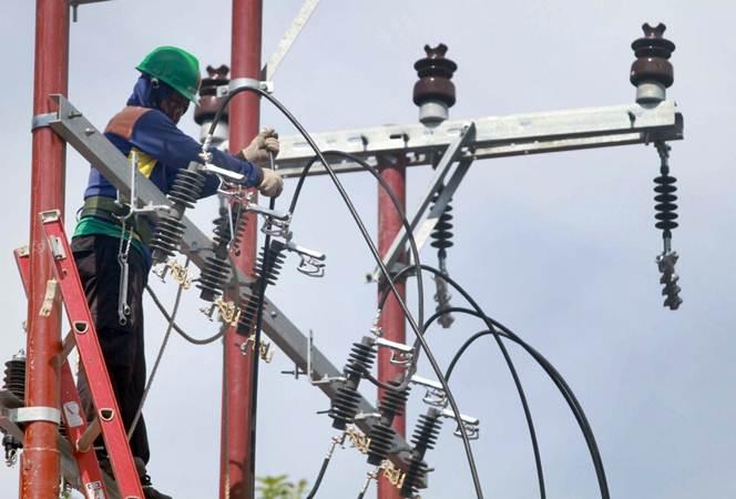PLN NTT Siapkan Kabel Laut Salurkan Listrik ke Pulau Kecil.