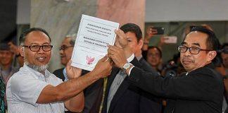 Kuasa Hukum Prabowo-Sandi Bawa Bukti Mengejutkan ke MK.