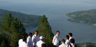 Jokowi Gelontorkan Rp3,5 Triliun Untuk Kembangkan Danau Toba.