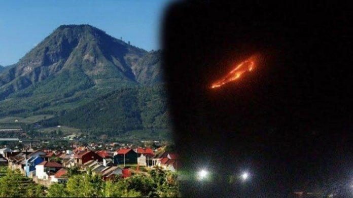 Gunung Panderman Terbakar, Tim Gabungan Evakuasi Pendaki.