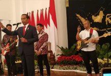 Kuis Berhadiah Sneakers ala Presiden Jokowi.