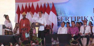 Jokowi Bagikan Sertifikat Tanah Gratis untuk Warga NTT.
