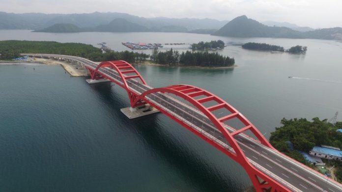 Jembatan Merah Holtekamp.