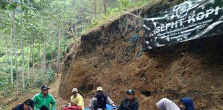 Kopi Bersama Petani dengan Sekolah Lapang Kopi