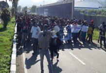 Kericuhan Aksi Massa di Depan Kantor DPRD Nabire Papua.