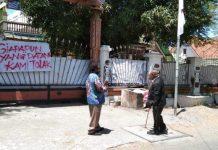 """Mahasiswa Papua Pasang Spanduk """"Siapapun Yang Datang Kami Tolak"""""""