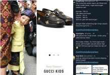 Jan Ethes Ikut Upacara HUT RI Pakai Sepatu Gucci.
