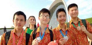 Pelajar Indonesia Menorehkan Prestasi di Olimpiade Informatika Internasional.