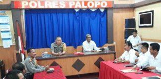 Rapat Festival Keraton Nusantara (FKN) XIII ruang data Polres Palopo.
