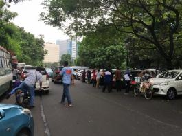 Taksi Online Bakal Kerahkan Massa Turun ke Jalan.