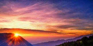 Sunrise di Gunung Bromo.