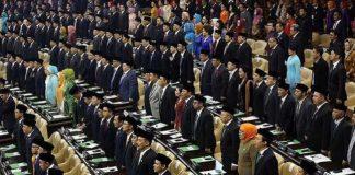 Pengambilan sumpah pada 575 Anggota DPR RI periode 2019-2024.