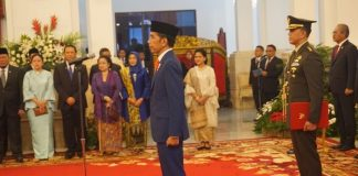 Presiden Joko Widodo (Jokowi) resmi melantik jajaran Kabinet Indonesia.