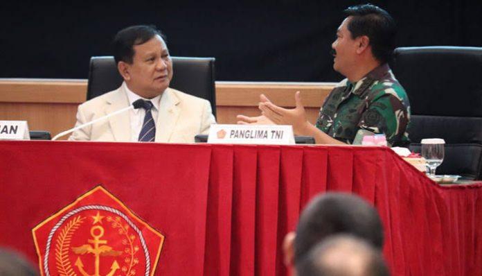 Menteri Pertahanan Prabowo Subianto dan Panglima TNI Marsekal Hadi Tjahjanto.