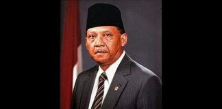 Kelahiran Wapres keempat RI, Umar Wirahadikusumah.