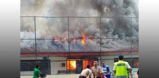 SMA 1 Yogyakarta atau yang popular dengan SMA Teladan terbakar.