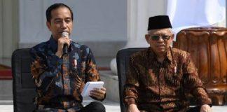 Filosofi Jokowi Duduk di Tangga Istana Saat Perkenalkan Para Menterinya.