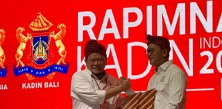 Penandatangan antara Ketua DPD RI AA La Nyalla Mahmud Mattalitti dan Ketua Kadin Indonesia Rosan P. Roeslani yang berlangsung di acara pembukaan Rapimnas.