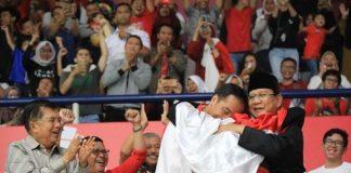 Momen Pelukan Damai Presiden Jokowi dan Prabowo.