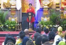 Ibu Negara Iriana Joko Widodo pagi ini, Rabu, 11 Desember 2019, secara resmi membuka acara bazar amal ke-52 Women's International Club (WIC) Jakarta.