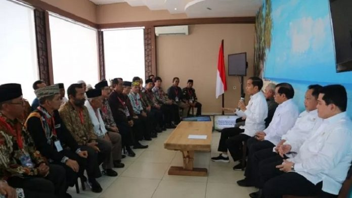 Presiden Jokowi Temui Tokoh Adat Kaltim.