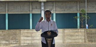 Presiden Joko Widodo (Jokowi) meresmikan pabrik baru PT Chandra Asri Petrochemical di Kota Cilegon, Provinsi Banten.