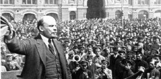 Perdana Menteri Uni Soviet, Vladimir Lenin.