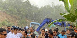 Presiden Jokowi Tinjau Penanganan Bencana Banjir di Sukajaya.