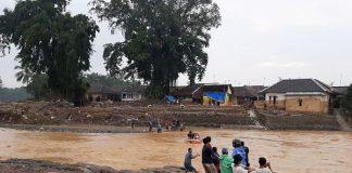Banjir bandang dan longsor di Lebak Banten.
