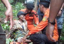 La Arimansi (87) seorang kakek asal Desa Wakuli, Kecamatan Kapuntori, Kabupaten Buton, Sulawesi Tenggara (Sultra) bertahan dalam hutan selama 10 hari dengan meminum air rotan.