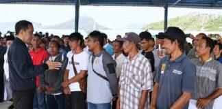 Presiden Jokowi Temui Ratusan Nelayan di Natuna.