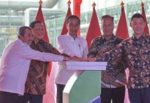 Presiden Jokowi Resmikan Pabrik Garmen di Riau.