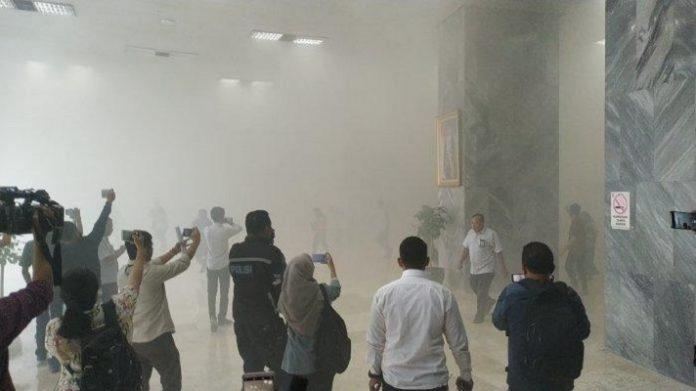 Gedung DPR RI Terbakar.