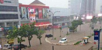 Banjir Jakarta, Kelapa Gading Mirip Kolam Renang.