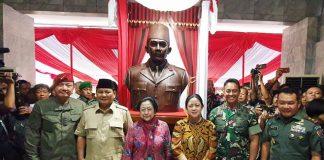 Megawati Resmikan Patung Bung Karno di Magelang.