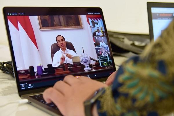 Presiden Jokowi: Jaga Daya Beli dan Permudah Angsuran Kredit bagi Pelaku Usaha Mikro dan Kecil.