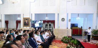 Presiden Joko Widodo (Jokowi) saat membuka The 2nd Asian Agriculture and Food Forum (ASAFF) 2020 sekaligus Musyawarah Nasional Himpunan Kerukunan Tani Indonesia (HKTI) di Istana Negara, Jakarta, pada Kamis, 12 Maret 2020.