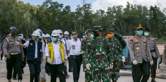 Panglima TNI dan Kapolri Tinjau Pembangunan RS COVID-19 di Pulau Galang.