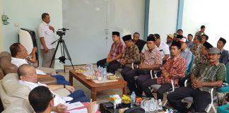 Ketua DPD LaNyalla Ditangisi Petambak Garam di Madura.