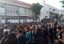 Puluhan Ribu Anggota Perguruan Silat Pagar Nusa Turun Jalan.