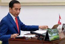 Jokowi Minta Mensos Distribusikan Paket Sembako untuk Warga Jabodetabek.