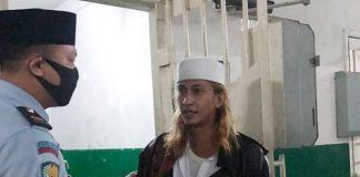 Habib Bahar bin Smithdipindahkan dari Lapas Gunung Sindur ke Lembaga Pemasyarakatan (Lapas) Klas I Batu Nusa Kambangan, Jawa Tengah.