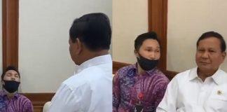 Menhan Prabowo Kerjai Asprinya yang Tertidur saat Rapat.