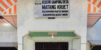 Mahasiswa KKN Covid-19 Universitas Malikussaleh Ciptakan Tempat Handsanitizer Sistem Injak.