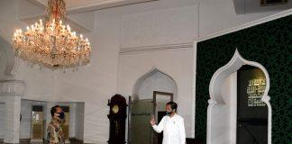 Jokowi Tinjau Kesiapan Prosedur Kenormalan Baru di Masjid Baiturrahim.