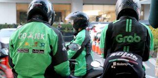 Protokol New Normal Driver Ojol: Penumpang Bawa Helm Sendiri.