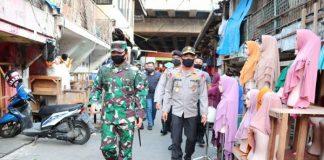 Strategi TNI dan Polri Kawal Ketertiban di Mal.
