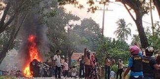 kerusuhan di Desa Mompang Julu, Panyabungan Utara, Mandailing Natal.