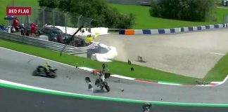 Motor Zarco dan Morbidelli yang terbang melayang di lintasan balapan nyaris mengenai Rossi secara berturut-turut.